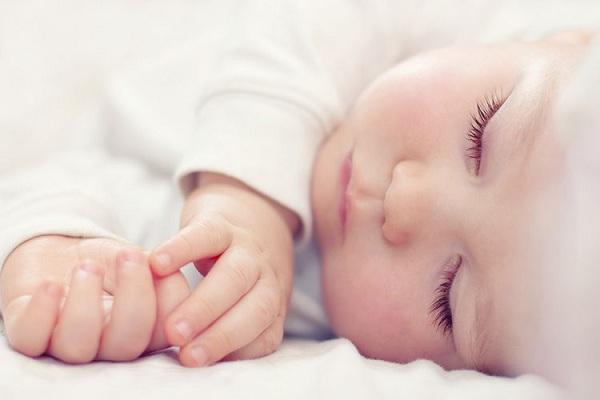 số giờ ngủ của trẻ sơ sinh