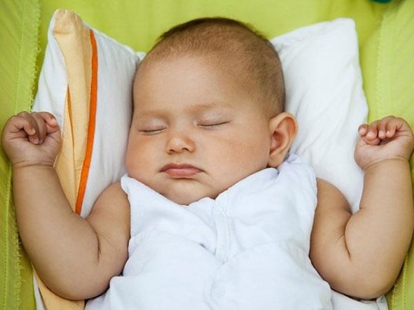 hướng dẫn cách đặt trẻ sơ sinh nằm ngủ