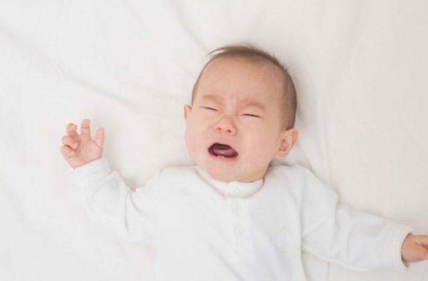 trẻ mấy tháng hết gắt ngủ