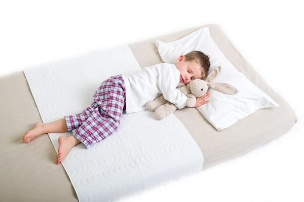 cách tập cho trẻ sơ sinh ngủ giường