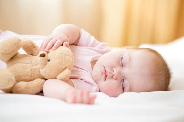 cách dỗ trẻ sơ sinh ngủ nhanh nhất