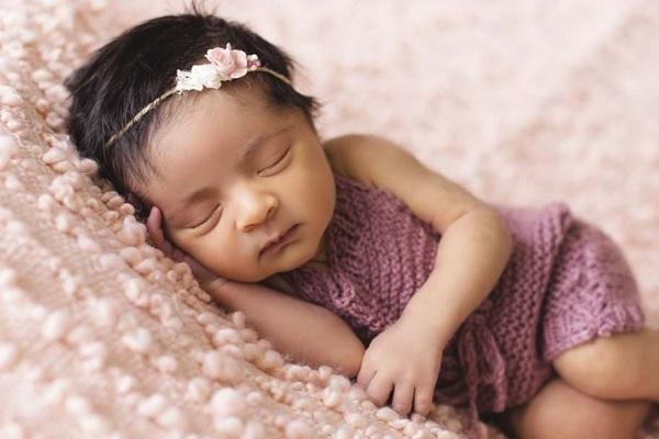 trẻ ngủ ít thông minh