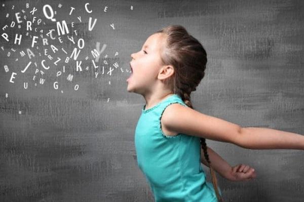 nhận biết trẻ tự kỷ qua tiếng khóc