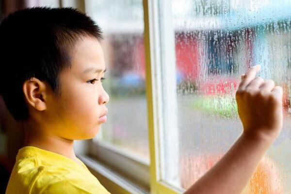trẻ chậm nói có phải bị tự kỷ